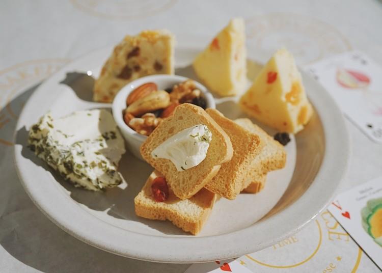 과일치즈와 미니토스트 치즈플레이트