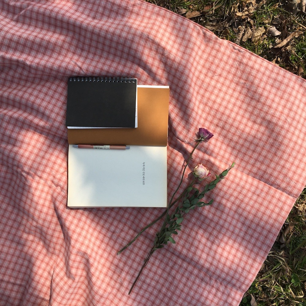 빈티지 핑크 피크닉 매트(Vintage pink picnic mat) - 인데오스페라무스, 38,000원, 매트/돗자리, 매트/돗자리/베개