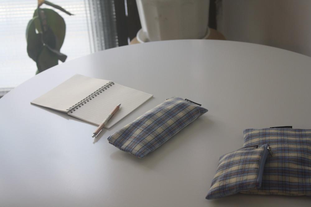 빈티지 블루 믹스 체크 필통(Vintage blue check pencil case) - 인데오스페라무스, 8,000원, 패브릭필통, 심플