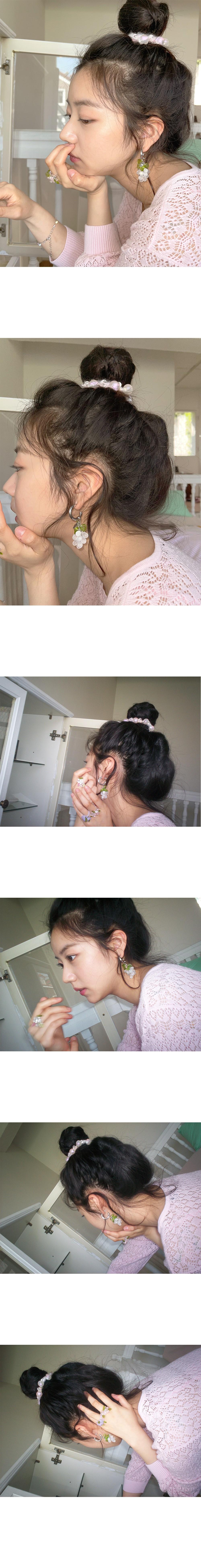 스윙셋(SWINGSET) Grape Earrings (White)